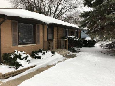 $1200 3 single-family home in Winnebago County