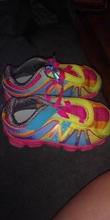 Toddlers new balance shoes