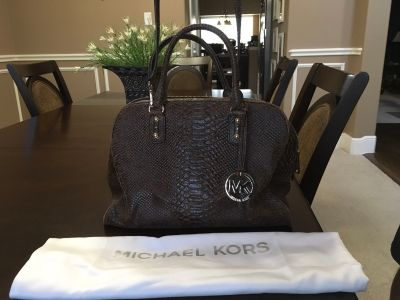 *GOOD CONDITION* Michael Kors Distressed Leather Handbag with Dust Bag