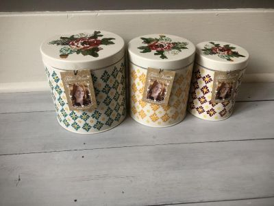 BRAND NEW Pioneer Woman 3 piece canister set in Vintage Geo