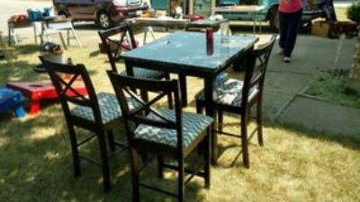 dining table, 4 chairs