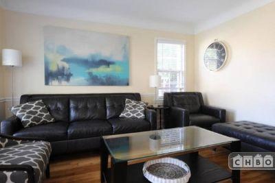 $3400 4 single-family home in Oak Park