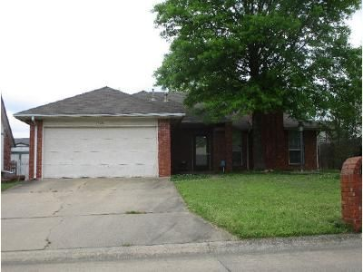 3 Bed 2 Bath Foreclosure Property in Claremore, OK 74019 - S Missouri Ave