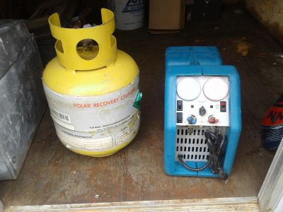 Recovery Unit in refrigerant tank
