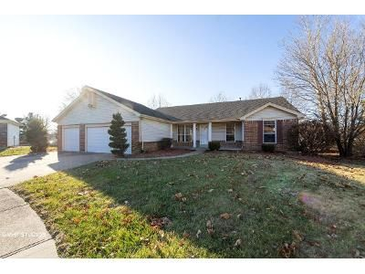 3 Bed 2 Bath Foreclosure Property in Florissant, MO 63034 - Cherry Wood Trail Dr