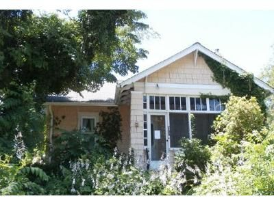 3 Bed 1.5 Bath Foreclosure Property in Morrisville, PA 19067 - Crown St