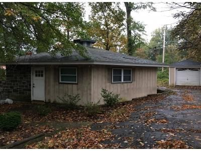 2 Bed 1 Bath Preforeclosure Property in Middletown, NY 10940 - Red Maple Ln