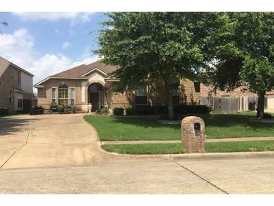 3 Bed 2 Bath Preforeclosure Property in Mesquite, TX 75181 - Blue Heron Dr