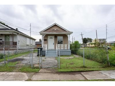 2 Bed 2 Bath Foreclosure Property in New Orleans, LA 70118 - Edinburgh St