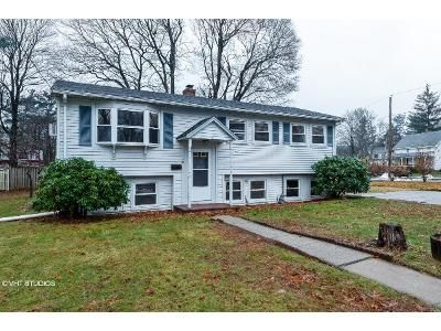 3 Bed 1.5 Bath Foreclosure Property in Franklin, MA 02038 - Orchard St