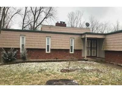 3 Bed 2.5 Bath Foreclosure Property in Charlestown, IN 47111 - Lakewood Dr