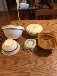 Antique bowls and molds in very good condition you get all for $12.00
