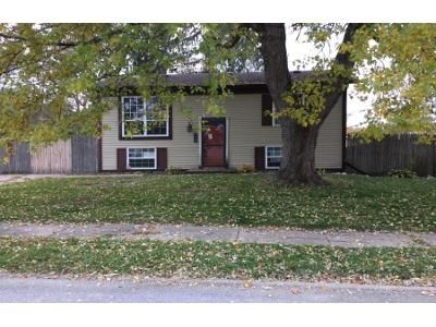 2 Bed 1 Bath Foreclosure Property in Milan, IL 61264 - 31st Ave W