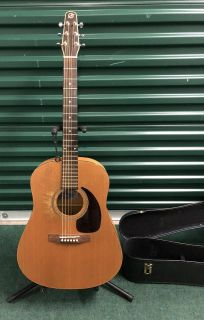 Seagull Acoustic Guitar S6