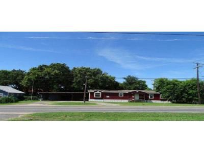 3 Bed 2 Bath Foreclosure Property in Little River Academy, TX 76554 - W Main St