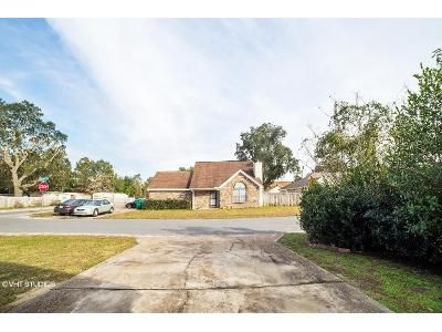 3 Bed 2.5 Bath Foreclosure Property in Fort Walton Beach, FL 32547 - Roanoke Ct