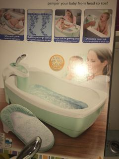 Whirlpool bubbling spa & showers