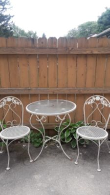 Bristol Patio table & Chairs