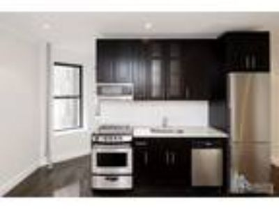 No Fee! Renovated Three BR Two Full BA, Elv Bldg, W/D in Apartment