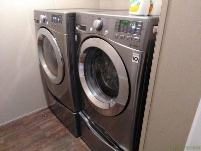 Lg Steam Drift Drive Washer & Dryer