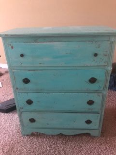 Turquoise dresser 43 tall 33 wide 100$