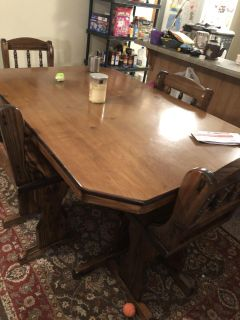 4 person Dining table