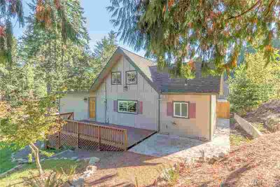 4227 Robinson Rd NE Bremerton Three BR, Just minutes to town this