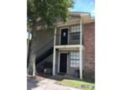 $1060 Two BR 2.00 BA, Gonzales