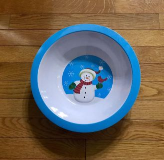 12 snowman serving bowl. Used once.