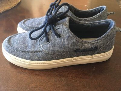 Old navy canvas shoes 3 EUC