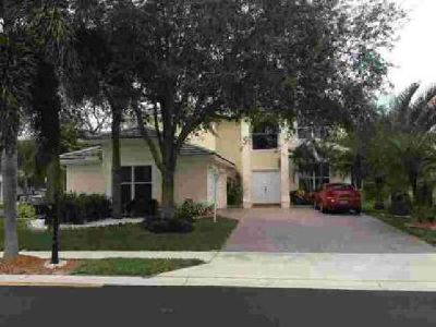 121 Springwater Drive Jupiter Five BR, A lovely spacious home.