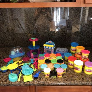 Lots of EUC Play Doh and Sets!