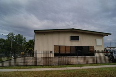 Upscale Deluxe Building Spring Tx Offices, Manuf., Retail