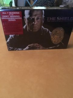 New The Shield (complete series)