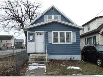 2 Bed 1 Bath Foreclosure Property in Buffalo, NY 14218 - Currant Ave