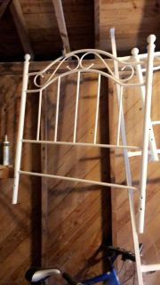 White twin metal bed frame