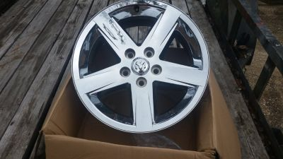 20 in Dodge Factory chrome wheels (4)