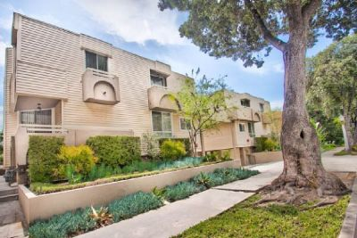 For Lease: 2 Bed 3 Bath condo in Studio City for 3,500
