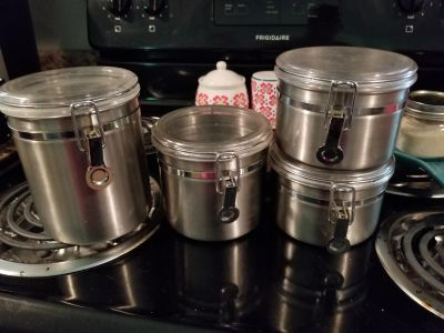 SET OF 4 STAINLESS CONTAINERS*ALL $3*CAN NOT HOLD ITEMS*MY LAST DAY @ VARAGE SALE IS TODAY 5/24