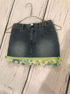 Lilly Pulitzer Jean Skirt with Fabric Edge - attached shorts - Size 7