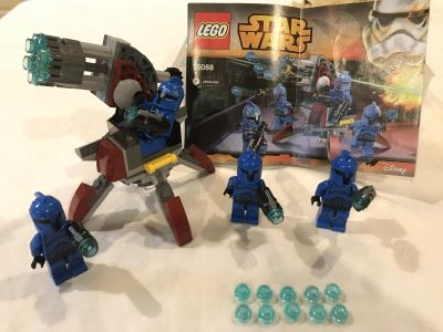 LEGO Star Wars Senate Commando Troopers set 75088 - includes all pieces, 4 minifigures, 10 extra bullets, and instruction book