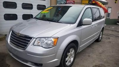 2008 Chrysler Town and Country Touring 4dr Mini Van