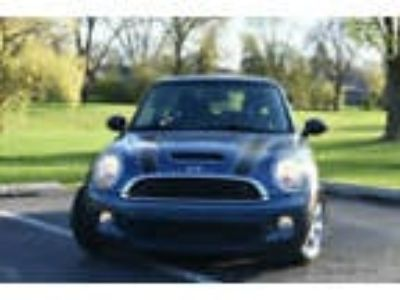 2010 MINI Cooper S Hardtop 2 Door ONE OWNER CAR !!! AUTOMATIC !!!