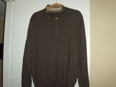 """BABY IT'S COLD OUTSIDE"" WARM UP WITH SOME BROOKS BROTHERS SWEATERS (VERO BEACH) LIKE NEW"