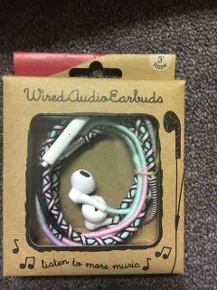 Brand new Wired audio earbuds