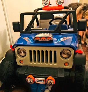 NEW CONDITION POWER WHEELS JEEP