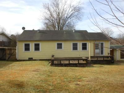 2 Bed 1 Bath Foreclosure Property in Glenwood, AR 71943 - S 3rd St