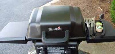 Char Broil Classic Gas Grill With Utensils
