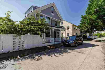 21 Division ST Newport Four BR, It's the best of both worlds