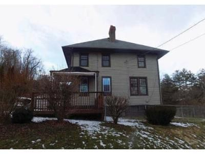 4 Bed 1 Bath Foreclosure Property in Smithfield, PA 15478 - Pine View Dr